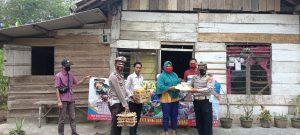 Indarti (37) Warga Penumang yang Menderita Sakit Lumpuh Layu Mandapat Bantuan dari Polresta Tubaba