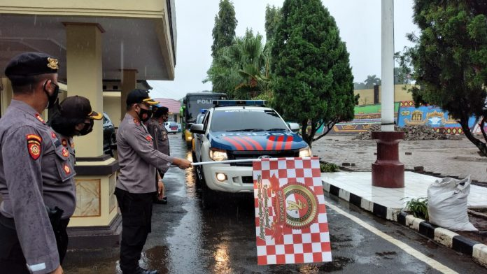Kapolres Tanggamus Lepas 52 Personel BKO Pengamanan Pilkada Lambar