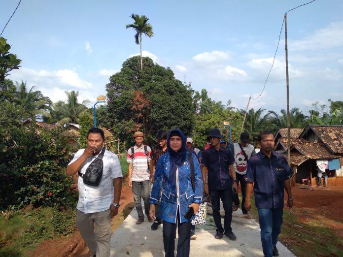 Pembanggunan Jalan Rabat Beton di Desa Negeri Campang Jaya Sukses