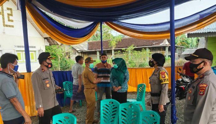 Cek Kesiapan Pilkakon, Wakapolres Tanggamus Kunjungi TPS dan Polsubsektor BNS