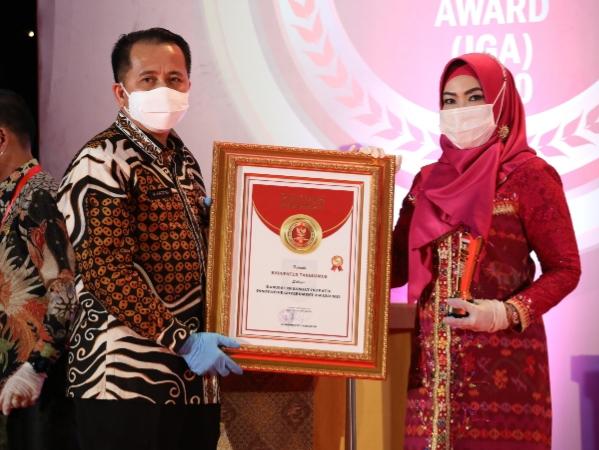 Bupati Tanggamus Raih Penghargaan Kabupaten Sangat Innovatif dari Kemendagri