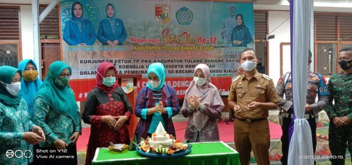 Kornelia Umar dan Rombongan Peringatan Hari Ibu ke 92 di Lambu Kibang