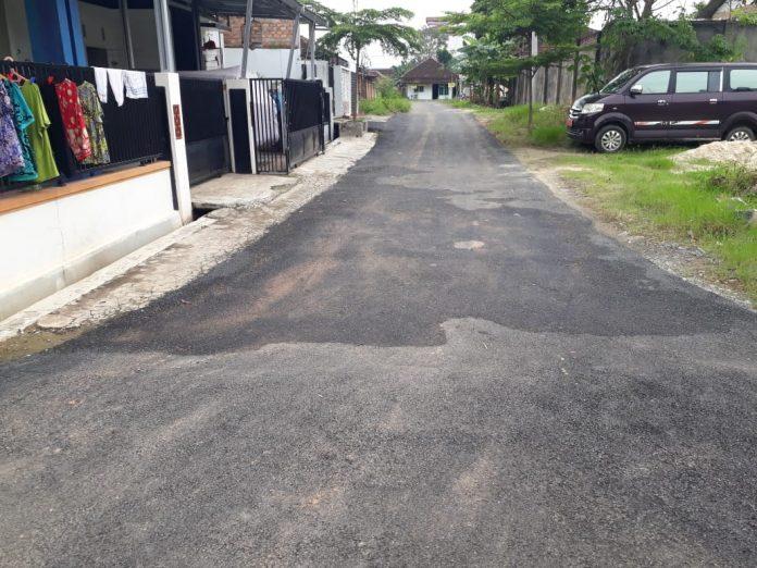 Pekerjaan Jl.Sulawesi Kelurahan Ganjar Asri Terkesan Asal Jadi
