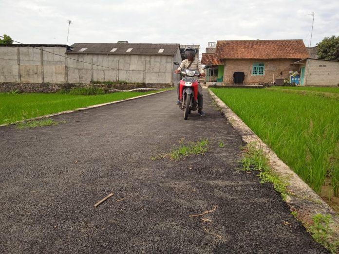 Jalan Hotmix Kelapa Hibrida lTerkesan Amburadul