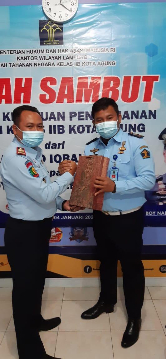 Boy Naldo Gantikan M. Iqbal Jabat Kepala Kesatuan Pengamanan Rutan Kotaagung Yang Baru
