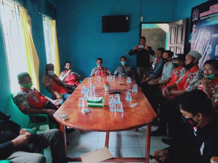 Ormas GML DPD dan DPK Silahturahmi di Kantor AWPI dan PWI Tanggamus