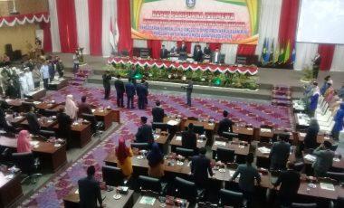 Penggantian waktu anggota 3 orang DPRD tingkat 2 propinsi kepri