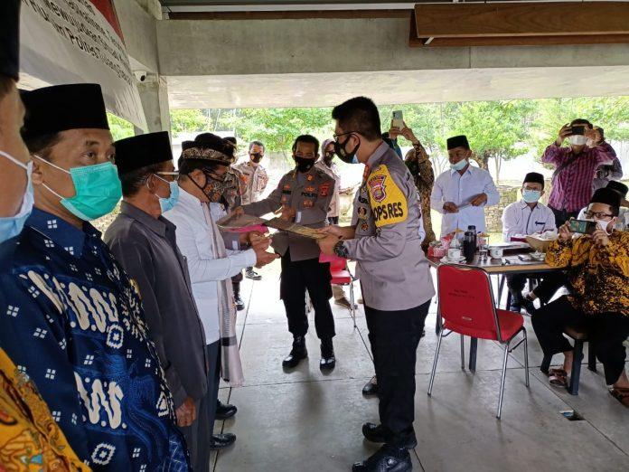 Polres Tulang Bawang Barat melaksanakan kegiatan pengukuhan Da'i Kamtibmas