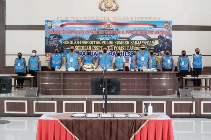 Kapolda Sulsel Pimpin Penandatanganan Pakta Integritas Dan Pengambilan Sumpah Seleksi Pendidikan Perwira Polri