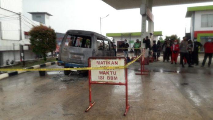 Mobil Carry Meledak Saat Isi BBM di Batu Aji