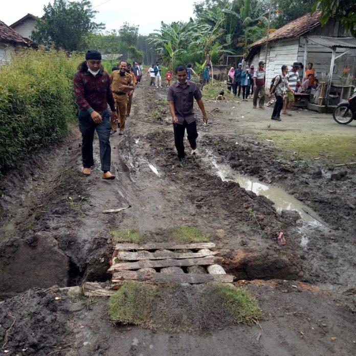 Dewan Perwakilan Rakyat Daerah Dapil satu Kecamatan TBT Lakukan Reses Di Dua Tiyuh