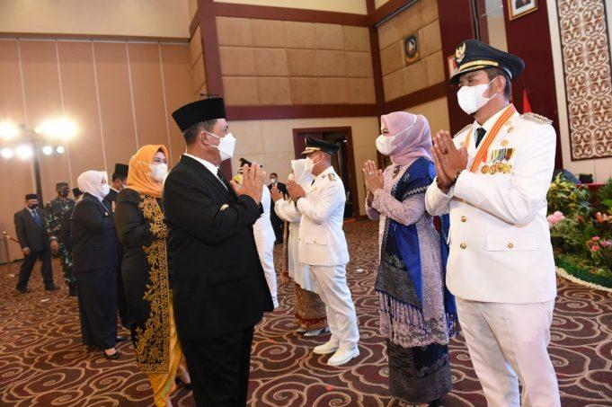 Bupati Dan wakil Bintan Terpilih Apri-Roby Menjabat 2021-2024 di lantik Oleh Gubernur Bpk. Ansar