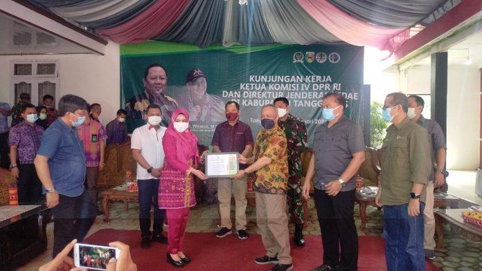 Atasi Konflik Dengan Gajah, Ketua Komisi IV DPR dan Dirjen KSDAE Kunker ke Tanggamus