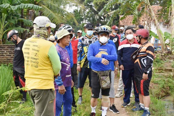 Walikota Metro Wahdi mengajak jajarannya untuk meninjau beberapa tempat wisata