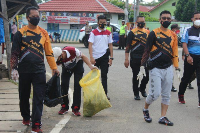 Gowes dan Bersih-bersih Bareng Forkopimda Tubaba dalam Rangka Memperingati Hari Peduli Samapah Nasional (HPSN)