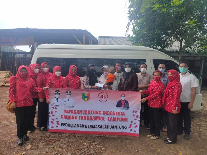 Bupati Lepas Rombongan YJI, Antar Bocah Penderita Kelainan Jantung Berobat ke Jakarta