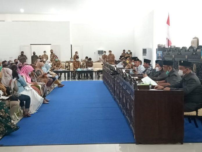 DPRD Panggil Eksekutif Pesibar, Terkait Pemutusan Kontrak TKD