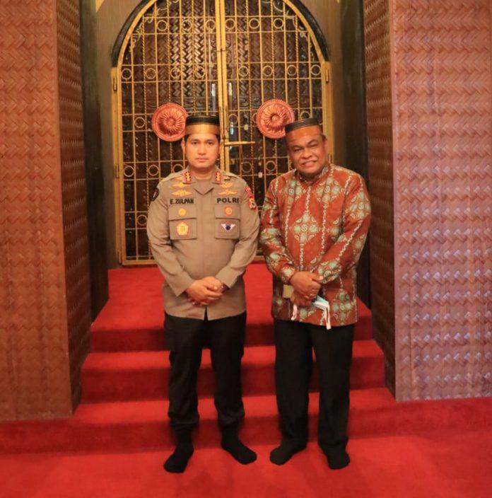 Kabid Humas Polda Sulsel Ziarah kemakam Raja-Raja Bone dan kunjungi museum Lapawawoi dan museum ArajangE