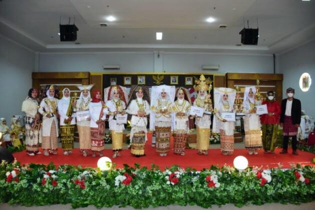HutTubaba Yang 12 Menggelar Lomba Pakaian Adat Lampung Megow Pak Dengan Tema Perempuan Bahagia