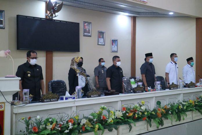Bupati Sampaikan Ranperda LKPj Tahun 2020 kepada DPRD Tanggamus