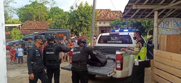 Polisi Evakuasi Temuan Granat Nanas di Tulang Bawang, Iptu Holili : Granat Tersebut Diduga Peninggalan Sisa Perang