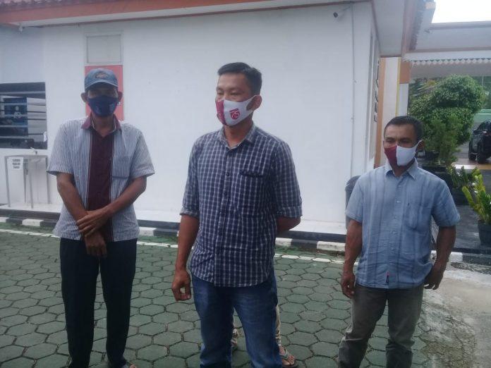 Ketua BUNDES Sri Purnomo Kecamatan Semaka Melaporkan Mantan PJ Verlin Nurman syah SE. ke Kejaksaan Negeri Kabupaten Tanggamus.