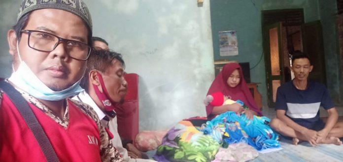 Ormas gml kabupaten tanggamus memberikan tali asih kepada dika ar-rayan penderita jantung bocor.pekon gading kecamatan pugung