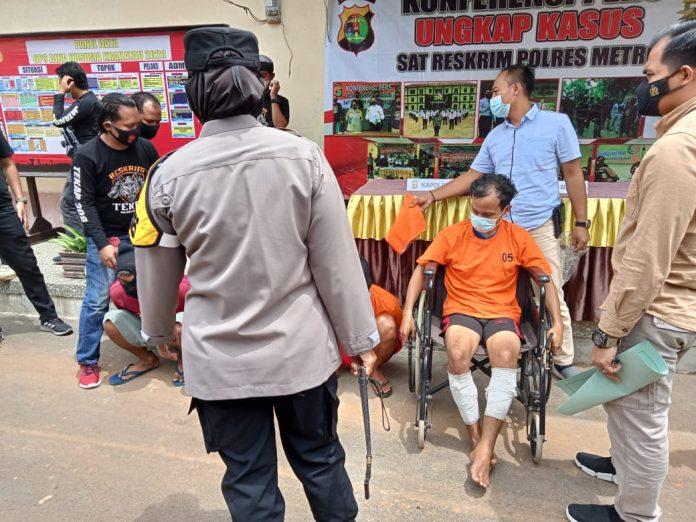 Lagi-Lagi Team Tekab 308 Polres Metro Berhasil Menangkap DPO Di Pulau Jawa