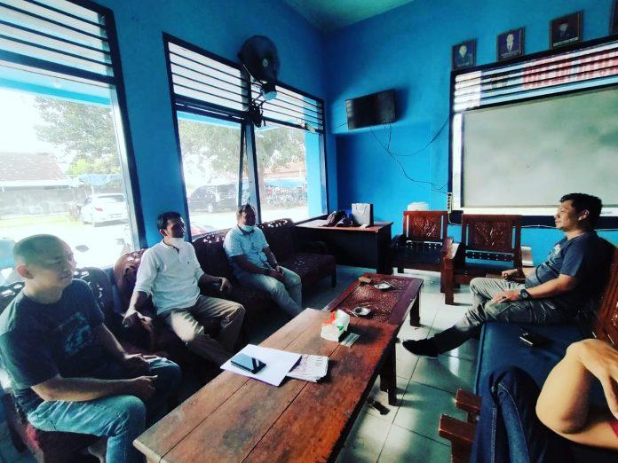 Ketua KPU Kota Metro Nurris Septa Pratama, M.Pd., silaturahmi ke Sekretariat PWI Kota Metro,