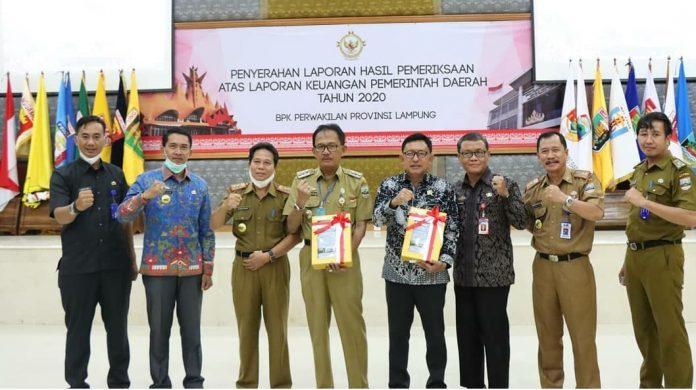 Kabupaten Pesisir Barat Terima Penghargaan WTP ke II Kalinya
