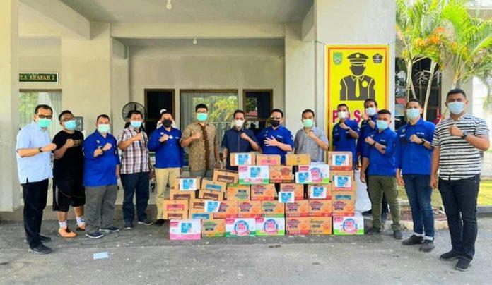 IKAPTK Kota Batam Menyerahkan Bantuan Untuk Pasien Covid-19 Dan Nakes Di Asrama Haji