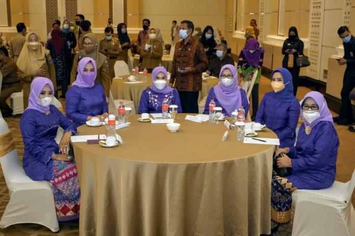 Ketua TP-PKK Ibu Kornelia Umar, SH, MH. Menghadiri Acara Penigkatan Indeks Literasi Masyarakat