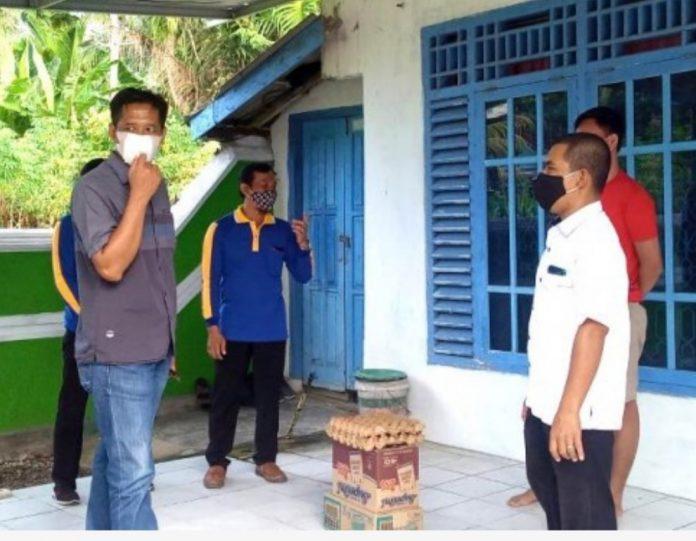 Pemberian Sembako Kepada warga Pekon Seray yang terpapar covid 19.