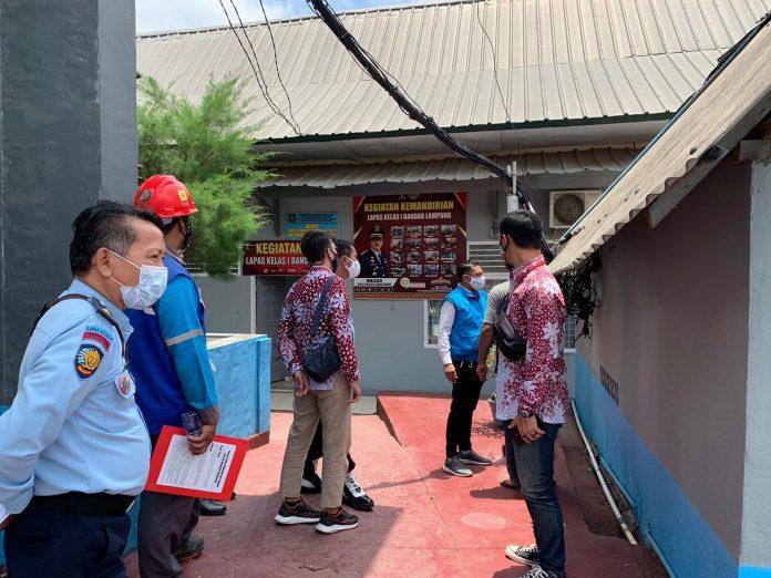 Berkerjasama Dengan PLN , Lapas Kelas I Bandar Lampung Melakukan Pemeriksaan Instalasi Listrik