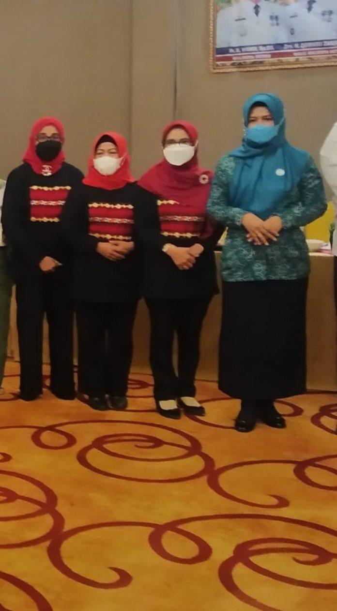 Ketua Dekranasda menghadiri Workshop paduan Wastra