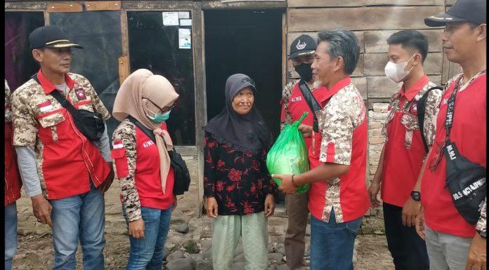 Jum'at Berkah,Ormas GML Tanggamus, Kembali Bagikan Sembako.