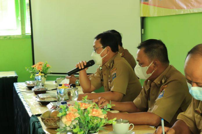 Walikota Metro didampingi Wakil Walikota Menghadiri Sosialisasi Peraturan Kepegawaian Negeri Sipil Guru